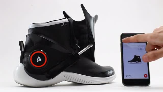 Digitsole Smartshoe The First Intelligent Sneaker Indiegogo