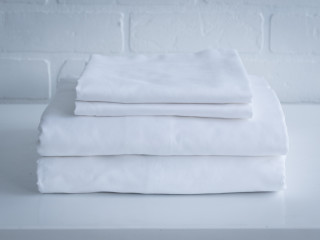 Reinvented Bed Sheets That NEVER Come Untucked!