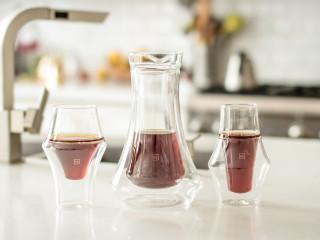 コーヒーの飲み頃温度をいつまでも保つだけでなく香りを存分に楽しむ事ができるコーヒーグラス「KRUVE EQ」