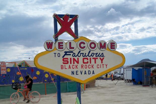 Light Up Sin City  Party Naked Tiki Bar On The Esplanade At Burning Man 2014  Indiegogo-2665