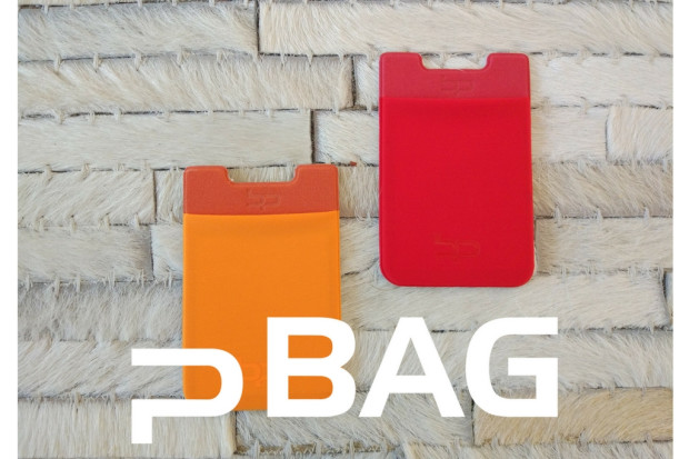 p BAG: The cardholder with NanoSuction