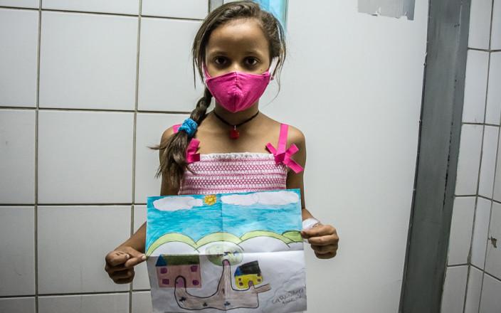 Give a smile to the venezuelan children