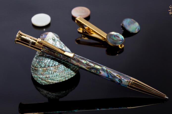 BLUSAIGON Mother of Pearl Bespoke Legacy Pen