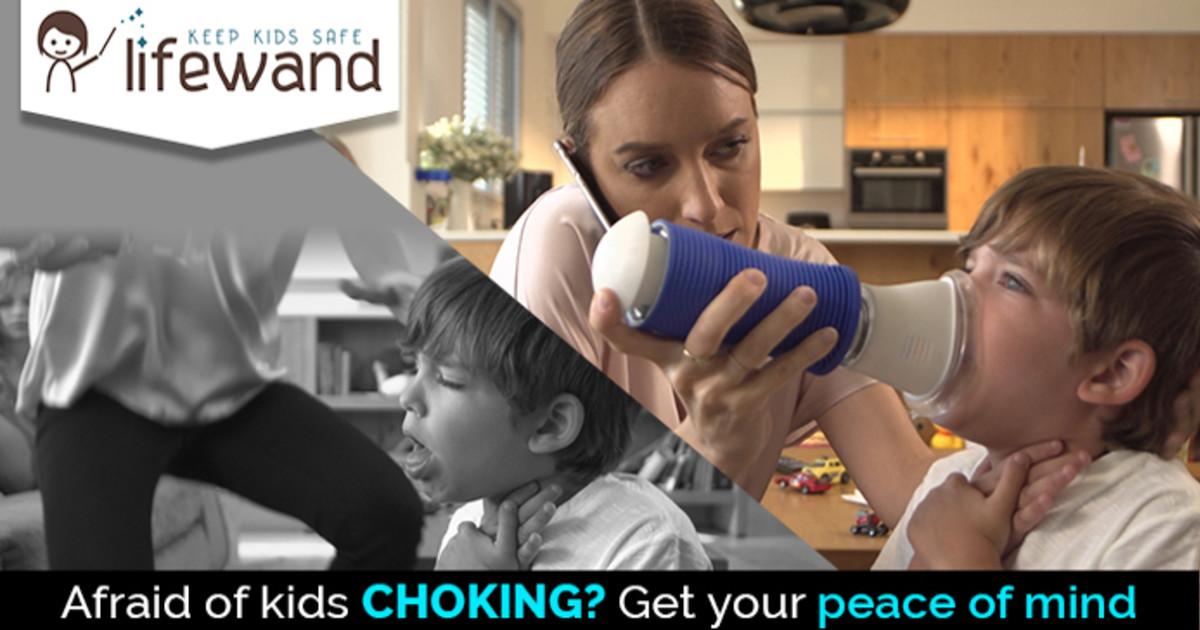 もしお子さんが、食べ物やおもちゃを誤って飲み込んで喉を詰まらせた時に役立つ「lifewand」
