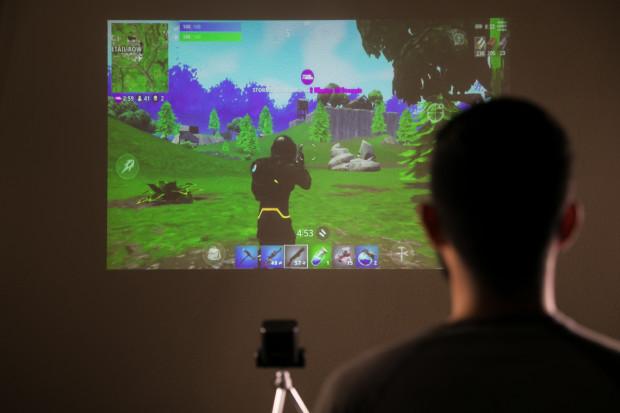"Piqo 1080p Pocket Projector"""