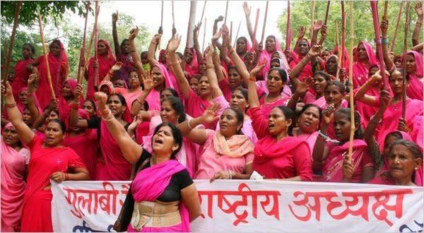 The gulabi gang protesting.