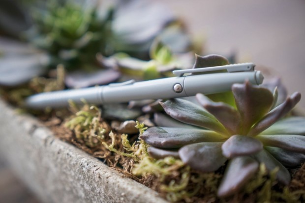 펜으로 위장한 작은 장난감 'Fidgi  Pen' - (주)위너스랩