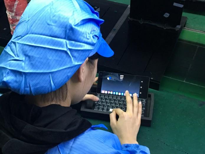 Смартфон с qwerty клавиатурой