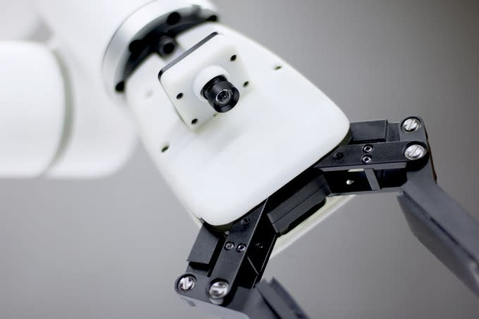 xArm-Cost-Effective Intuitive Industrial Robot Arm | Indiegogo