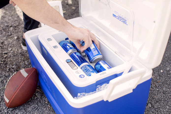 BLUE QUENCH QOOLER. Ice cold drinks. In seconds.