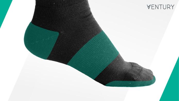 悪臭や靴擦れを防止する事で他人にも自分の足にも優しいハイキング用ソックス「Ventury Silverlight」