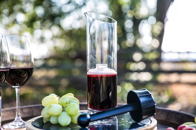 Wine squirrel preserve opened wine for weeks indiegogo for How to preserve wine after opening
